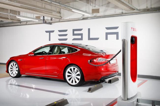 Elon Musk hãy dè chừng, bức tâm thư gửi đi lúc 1 giờ 20 phút sáng của ông có thể chính là ngày tàn của Tesla - Ảnh 2.
