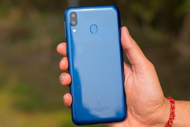 Galaxy M10 và M20 chính thức ra mắt: Smartphone có màn hình giọt nước đầu tiên của Samsung, camera kép góc siêu rộng, giá từ 2,6 triệu đồng - Ảnh 6.