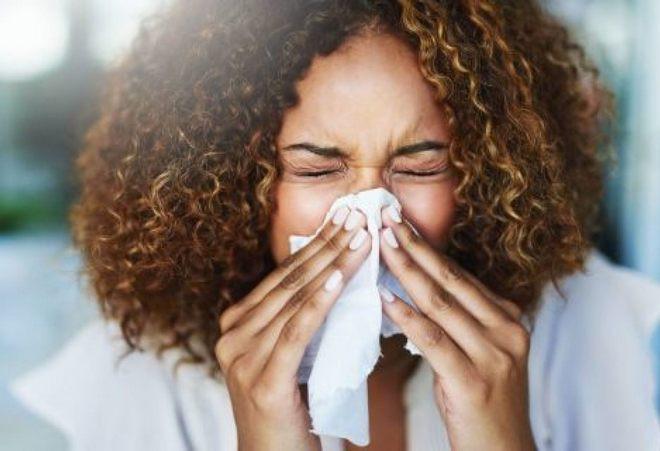 Loại khăn giấy xì mũi này có gì đặc biệt mà người bị cúm sẵn sàng bỏ 1,9 triệu ra để mua 1 tờ? - Ảnh 1.