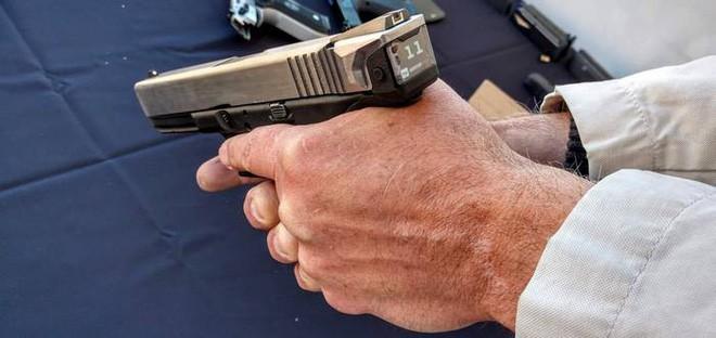 Hộp khóa nòng thông minh đầu tiên trên thế giới với màn hình hiển thị số đạn trong súng - Ảnh 3.