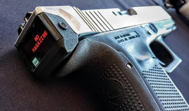 Hộp khóa nòng thông minh đầu tiên trên thế giới với màn hình hiển thị số đạn trong súng - Ảnh 4.