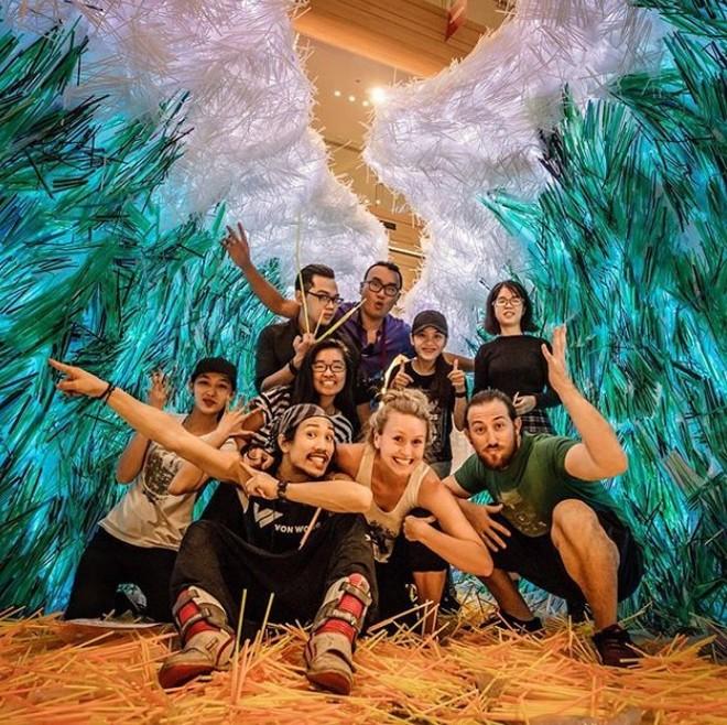 Ngắm tác phẩm ấn tượng tạo nên từ 168 ngàn ống hút nhựa tại TP. Hồ Chí Minh - Ảnh 5.