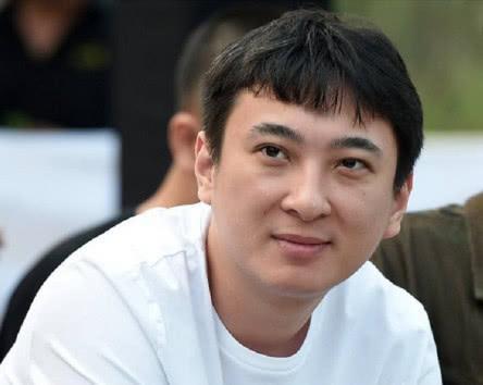 LMHT: Những điều chưa biết về Vương Tư Thông - Từ gã thiếu gia ngạo mạn trở thành thần tượng của làng Thể thao điện tử Trung Quốc - Ảnh 3.