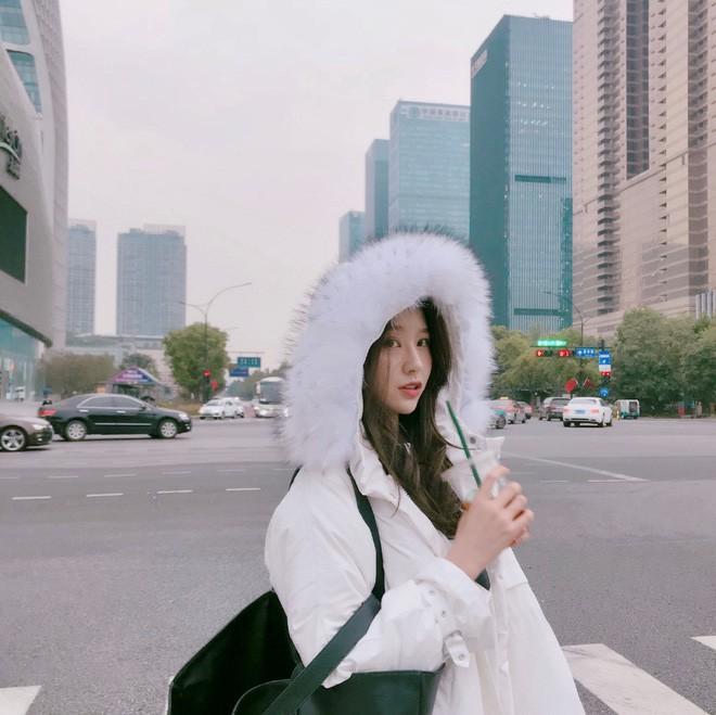 Lỡ tay tắt nhầm filter làm đẹp lúc livestream, hot girl Trung Quốc mất hơn trăm ngàn lượt follow vì để lộ nhan sắc thật - Ảnh 15.