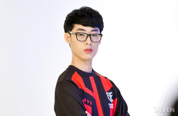 LMHT: Các tuyển thủ LCK đẹp trai đến mức nào khi bước vào LCK Mùa Xuân 2019 (Phần 1) - Ảnh 44.