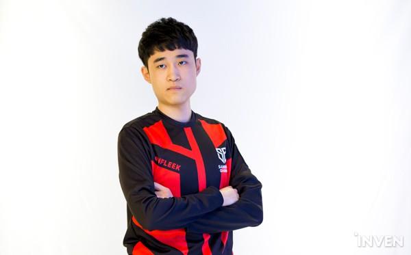 LMHT: Các tuyển thủ LCK đẹp trai đến mức nào khi bước vào LCK Mùa Xuân 2019 (Phần 1) - Ảnh 39.