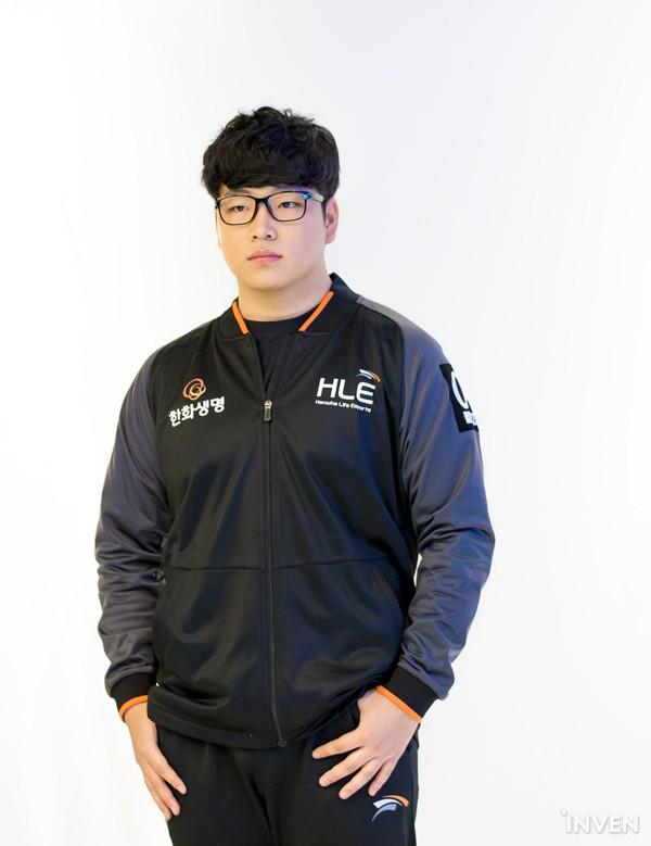 LMHT: Các tuyển thủ LCK đẹp trai đến mức nào khi bước vào LCK Mùa Xuân 2019 (Phần 1) - Ảnh 76.