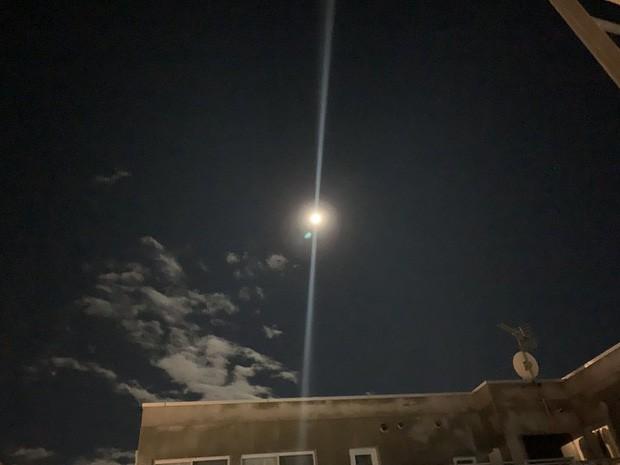 Trái ngược với bầu trời tím dự báo điềm dữ trước khi Hagibis đổ bộ, dân Nhật hứng khởi với cảnh quang đãng, trăng sáng rực khi siêu bão đi qua - Ảnh 8.