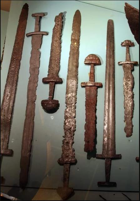 Phát hiện nghĩa địa kiếm của người Viking: Hóa ra tộc người huyền thoại này dùng kiếm chất thế này đây - Ảnh 2.