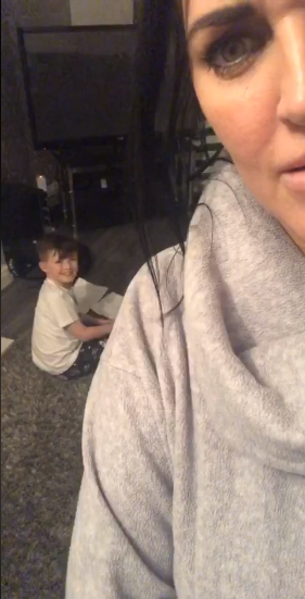 Chết cười với cậu bé 9 tuổi đang nhờ trợ lý ảo Alexa làm hộ bài tập toán thì bị mẹ bắt quả tang tại trận - Ảnh 3.