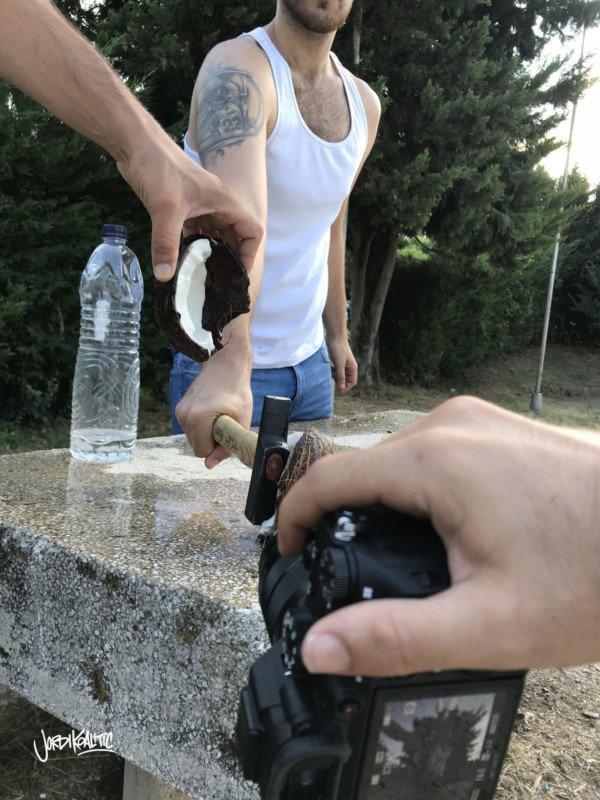 Nhiếp ảnh gia này sử dụng những mẹo nhỏ nhưng tạo được ảnh chụp độc lạ đến khó tin - Ảnh 2.