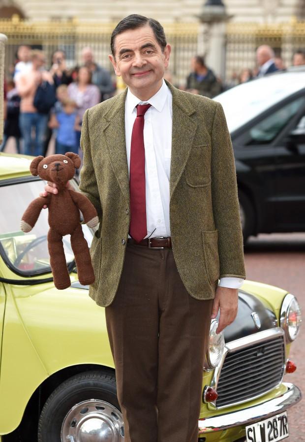 Bất ngờ với hình ảnh cậu con trai 26 tuổi của Mr. Bean: Thành tích khủng và giống bố đến ngỡ ngàng - Ảnh 1.
