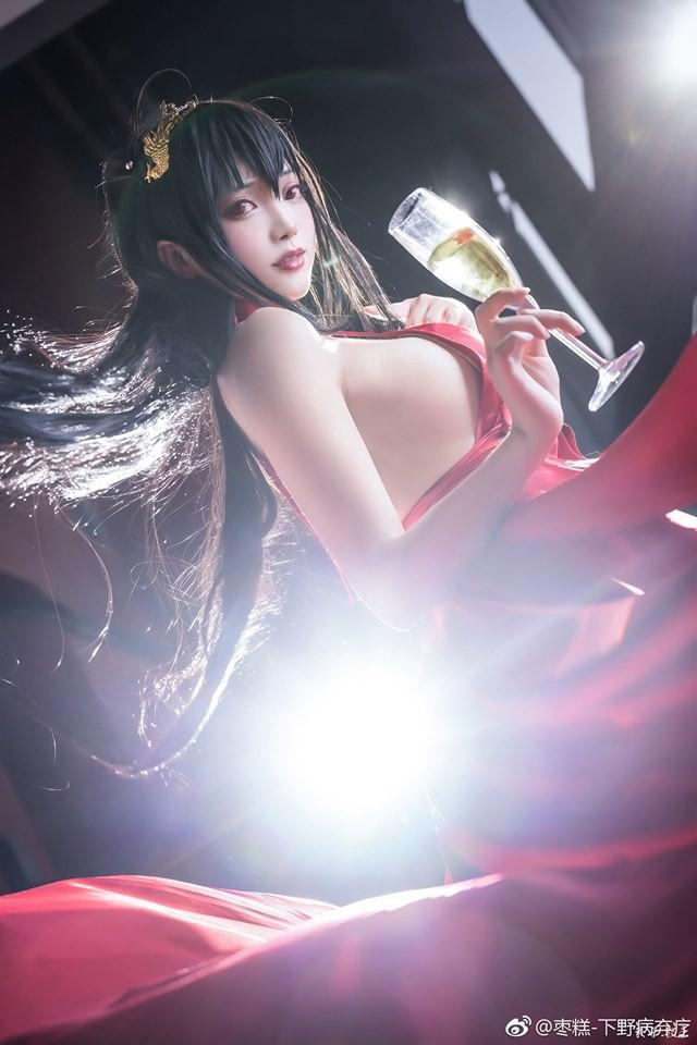 Bỏng mắt khi ngắm nàng waifu nổi tiếng trong tựa game mobile Azur Lane - Ảnh 4.