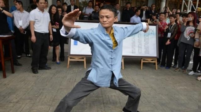 Hậu nghỉ hưu, tỷ phú 'già gân' Jack Ma tập tành đấm bốc, lập team thách thức tay đấm huyền thoại người Mỹ, Floyd Mayweather - Ảnh 3.