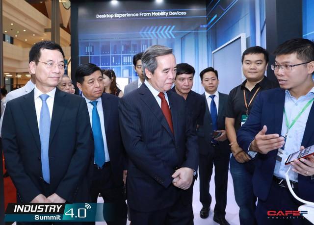 Samsung cam kết hỗ trợ chuyển đổi số tại Việt Nam - Ảnh 1.