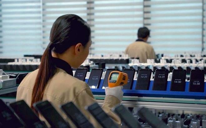 Đền bù nhân viên bị sa thải theo kiểu Samsung: Nhận miễn phí Galaxy S10+, đồng hồ thông minh cùng tiền mặt - Ảnh 2.