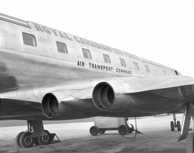 Tại sao cửa sổ máy bay thường không có hình vuông, có phải vì thiết kế hình tròn trông sẽ đẹp mắt hơn? - Ảnh 2.