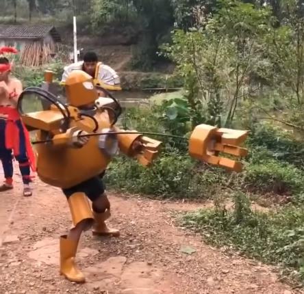 LMHT: Chết cười với phim live-action của game thủ Trung Quốc, tái hiện LMHT theo phong cách... tiết kiệm - Ảnh 5.