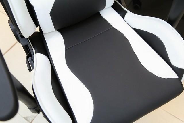 Các mẫu ghế gaming giá rẻ mà siêu êm, bảo đảm chơi game cả ngày không bị ê mông - Ảnh 5.