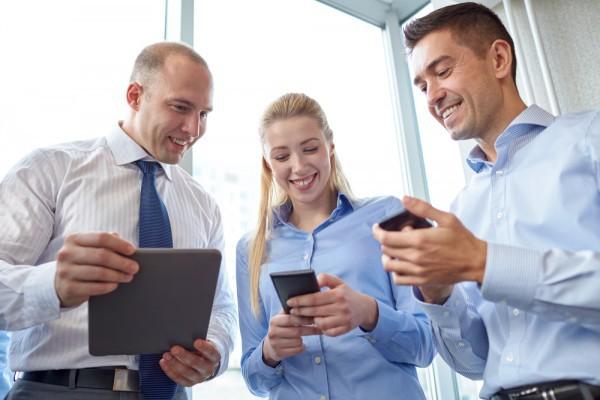 Smartphone lên ngôi trong xử lý công việc, đây là cách giúp các ông, bà chủ trút bỏ nỗi ám ảnh rò rỉ dữ liệu - Ảnh 1.
