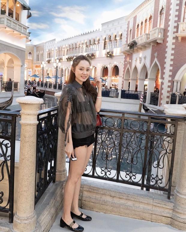 Làm Vlog kiểu rich kid Việt: Đi Las Vegas với mẹ mua sắm sương sương hết... hơn 2 tỷ 300 triệu, đồ hiệu không thiếu thứ gì - Ảnh 4.