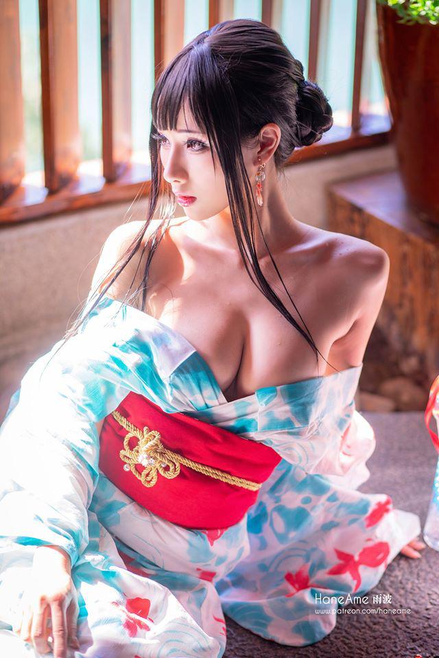 Thiếu nữ xinh đẹp khoe đôi gò bồng đảo quyến rũ tại nhà tắm suối nước nóng - Ảnh 5.