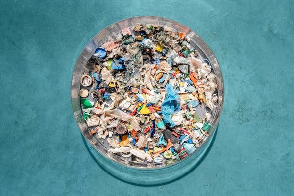 Nhựa trôi nổi trên biển chỉ chiếm 2% tổng lượng rác thải con người đổ vào đại dương, 98% còn lại đã đi đâu? - Ảnh 3.