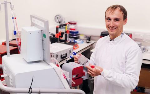 Cỗ máy nam châm có thể hút mọi mầm bệnh ra khỏi cơ thể, từ vi khuẩn, virus cho tới ung thư - Ảnh 3.