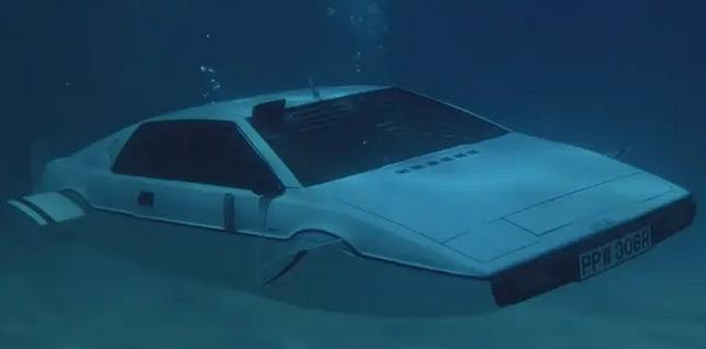 Cybertruck được lấy cảm hứng từ chiếc xe của James Bond năm 1977, Elon Musk đã mua vào năm 2013 - Ảnh 3.
