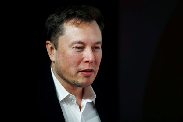 Không phải vô tình kính Cybertruck 'toang', Tesla bắt đặt cọc 100 USD và không chi tiền quảng cáo: Tất cả đều thuộc tính toán của Elon Musk, giúp thu về 250.000 đơn đặt hàng dễ như ăn kẹo! - Ảnh 3.