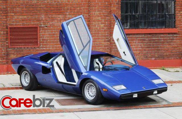 Bị nhà sáng lập Ferrari 'cà khịa' rằng cả đời chỉ lái được máy kéo, người đàn ông tạo ra siêu xe đầu tiên trên thế giới, mở công ty là đối thủ khiến Ferrari phải dè chừng - Ảnh 3.