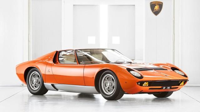 Bị nhà sáng lập Ferrari 'cà khịa' rằng cả đời chỉ lái được máy kéo, người đàn ông tạo ra siêu xe đầu tiên trên thế giới, mở công ty là đối thủ khiến Ferrari phải dè chừng - Ảnh 4.