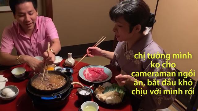 Khoa Pug bị tố dựng chuyện, vi phạm luật pháp Nhật Bản khi đăng clip Phụ nữ Nhật quỳ khóc xin cho cameraman được ăn - Ảnh 3.
