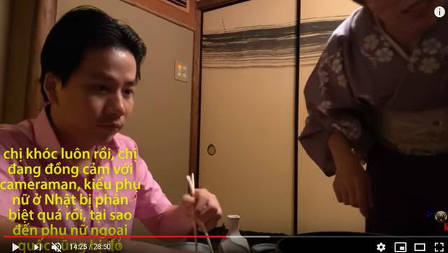 Khoa Pug bị tố dựng chuyện, vi phạm luật pháp Nhật Bản khi đăng clip Phụ nữ Nhật quỳ khóc xin cho cameraman được ăn - Ảnh 4.