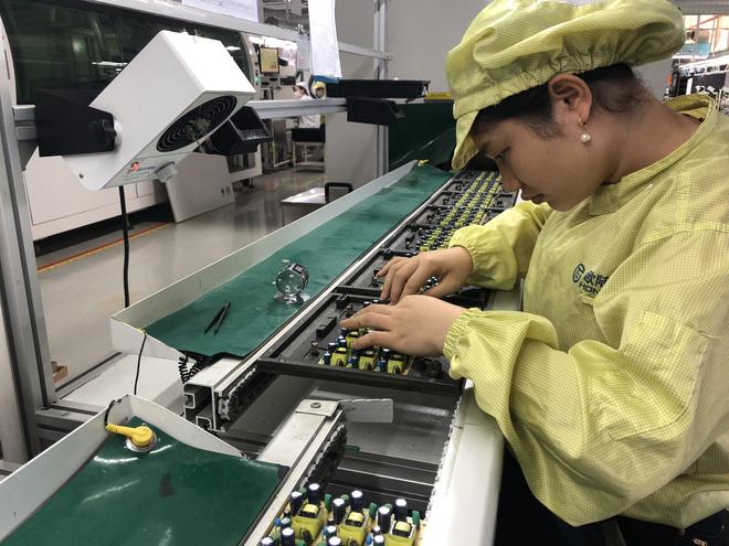 Samsung chuyển nhà máy sang Việt Nam vì thương chiến, thành phố Trung Quốc đang sầm uất bỗng chốc biến thành thành phố ma - Ảnh 3.