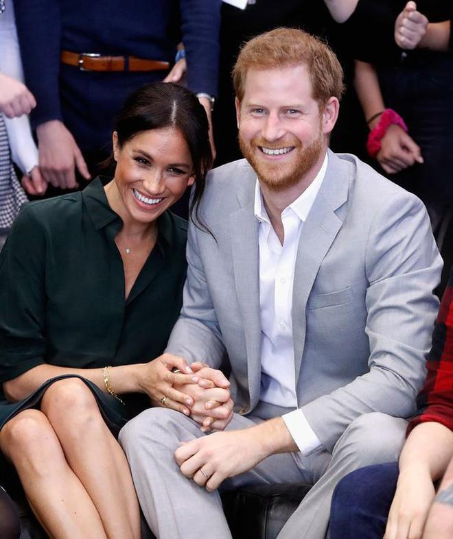 Góc tuyển dụng: Nữ hoàng Anh đang tuyển một bậc thầy sống ảo để chăm sóc các fanpage Hoàng gia, mức lương lên đến 1,5 tỷ - Ảnh 2.