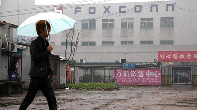 Bán linh kiện iPhone trộm cắp, công nhân Foxconn kiếm được 43 triệu USD - Ảnh 1.