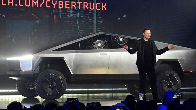 Cặp vợ chồng bỏ 100 USD sở hữu thứ vô giá trị này để rồi may mắn được Elon Musk mua lại nó với giá gần 1 triệu USD - Ảnh 4.