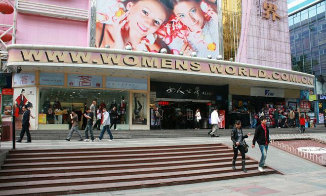 Hoa Cường Bắc - Khu chợ điện tử nổi tiếng nhất Trung Quốc nay bị nhuộm hồng bởi đồ mỹ phẩm - Ảnh 5.