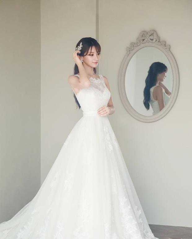Vẻ đẹp nghiêng nước nghiêng thành của thiên thần LCK Kim Su-hyeon - Ảnh 6.