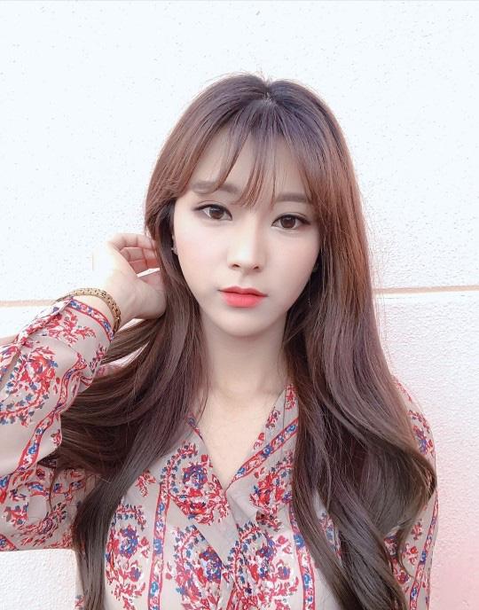 Vẻ đẹp nghiêng nước nghiêng thành của thiên thần LCK Kim Su-hyeon - Ảnh 14.