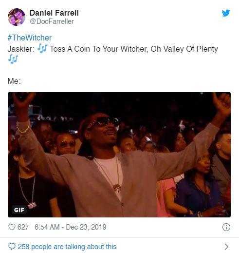The Witcher lên sóng: Không chỉ mê Henry Cavill, fan hâm mộ còn đang phát cuồng với bản nhạc Toss a Coin to Your Witcher - Ảnh 6.