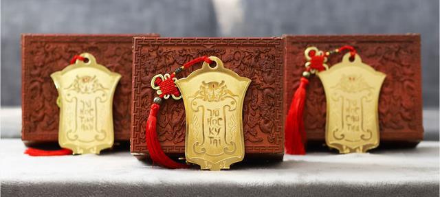 Cũng lâu rồi game thủ Việt mới lại được săn lệnh bài vàng - Ảnh 2.