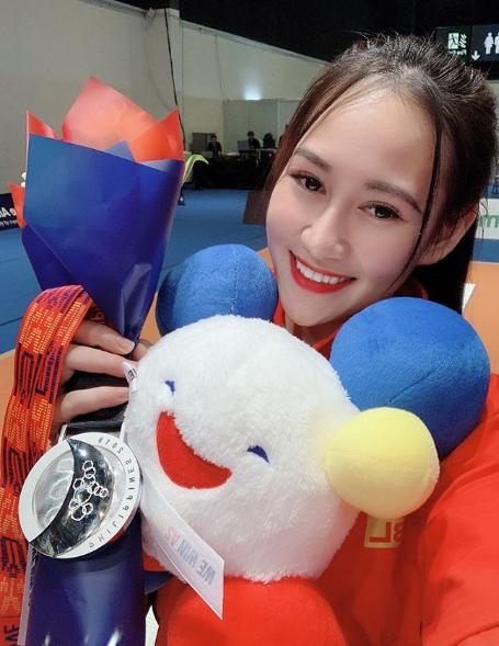 Quá xinh đẹp, hot girl môn kiếm chém đoạt HCB Sea Games lấn sân sang làm người mẫu khiến cộng đồng mạng bất ngờ - Ảnh 3.