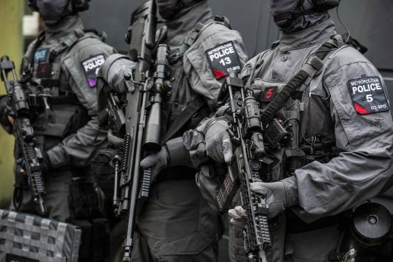 Cảnh sát đặc nhiệm chống khủng bố London được trang bị những loại vũ khí gì? - Ảnh 10.