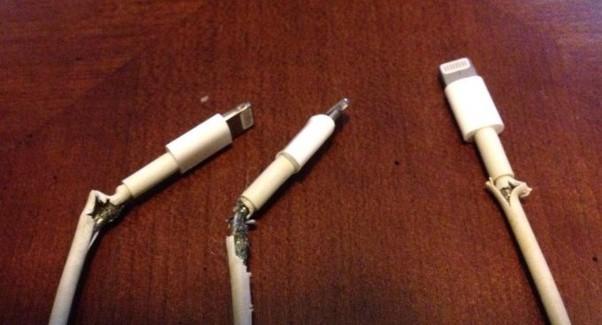Khả năng chế tác smartphone của Apple là hoàn hảo, nhưng tại sao cáp sạc họ làm lại kém bền đến thế? - Ảnh 1.