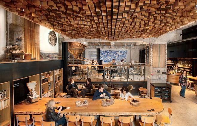 Phép màu nào đưa Starbucks từ một cửa hàng rang cafe thành chuỗi thương hiệu trị giá trăm tỉ đô? - Ảnh 13.