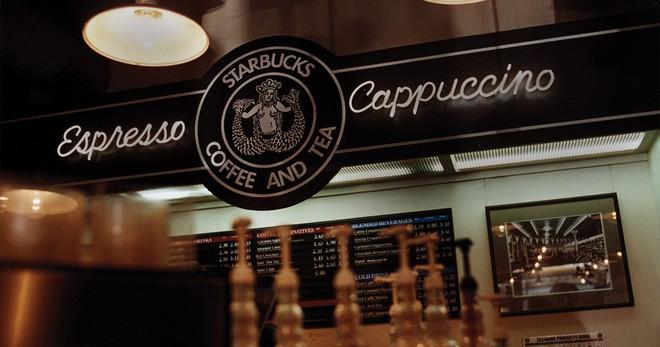Phép màu nào đưa Starbucks từ một cửa hàng rang cafe thành chuỗi thương hiệu trị giá trăm tỉ đô? - Ảnh 6.