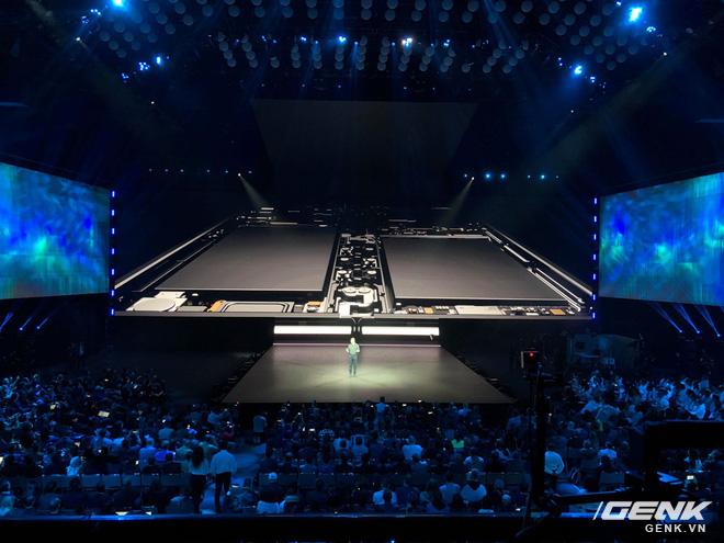 Samsung Galaxy Fold - chiêu bài tiếp thị hay thực sự là con bài thay đổi cuộc chơi? - Ảnh 4.