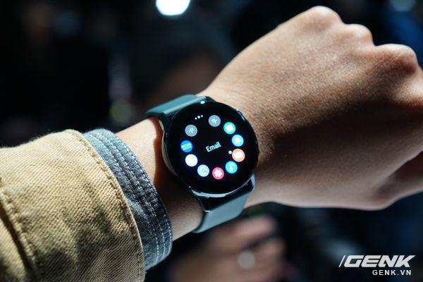 Cận cảnh Galaxy Watch Active: Chiếc smartwatch có thiết kế tinh tế nhất của Samsung - Ảnh 2.